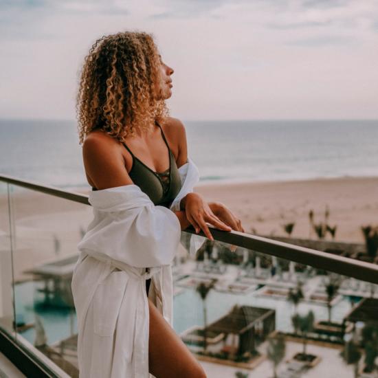 HRHLosCabos_Lifestyle_Balcony